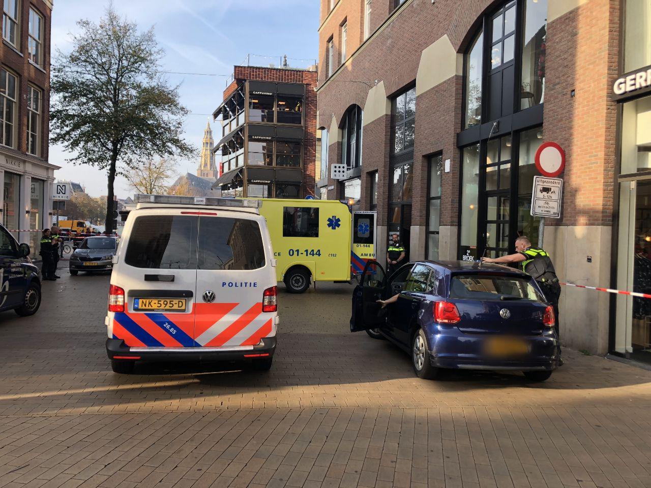 Politieagent schiet man neer in de stad Groningen
