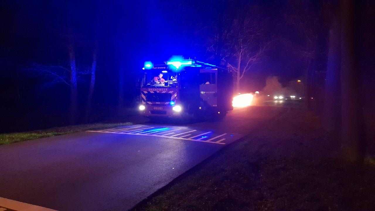 Auto verwoest door felle Brand bij Drachten