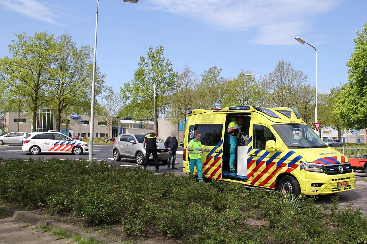 Fietser raakt gewond na aanrijding met Auto in Drachten
