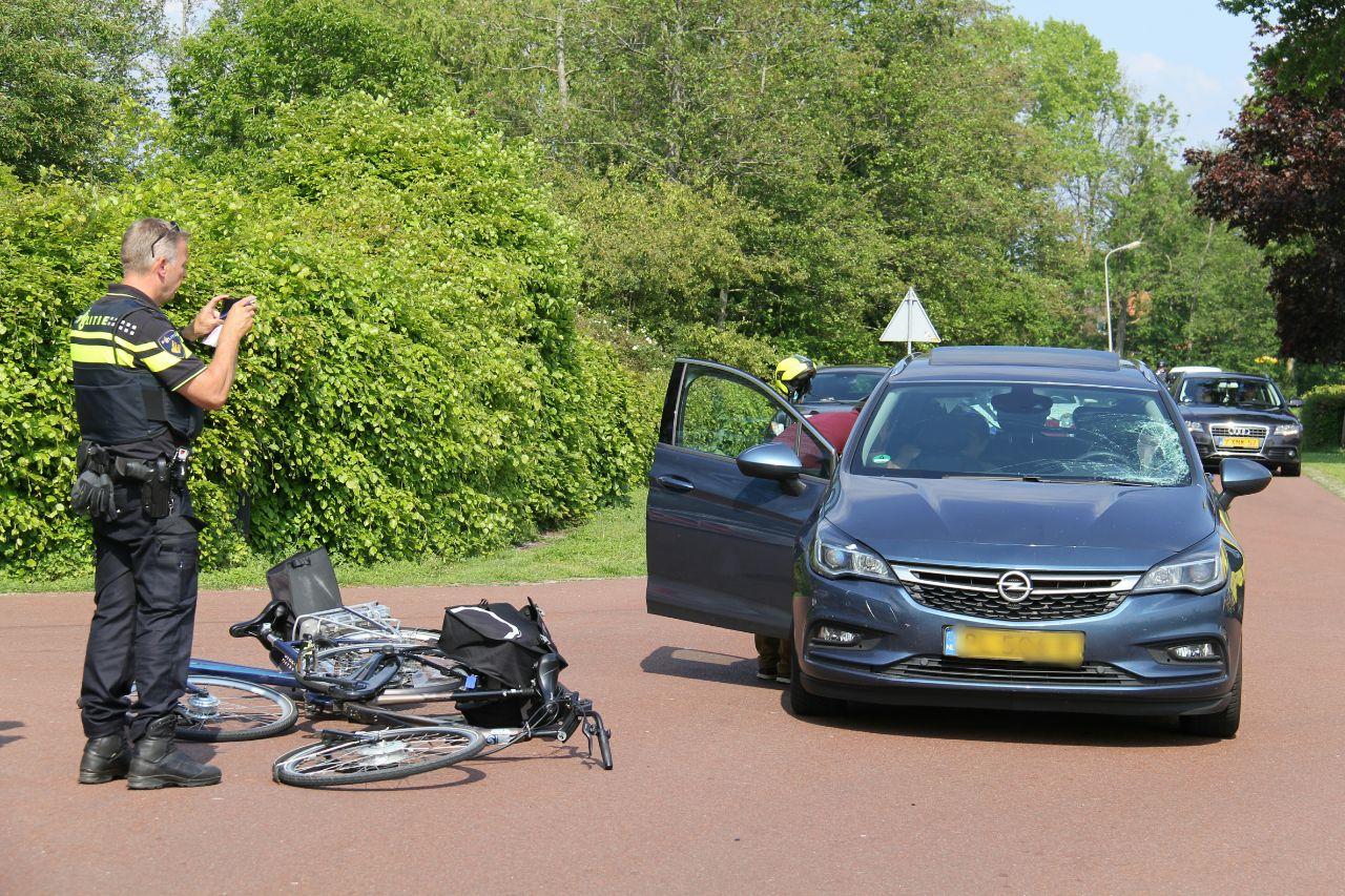 Fietser raakt gewond na aanrijding met Auto in Wanneperveen