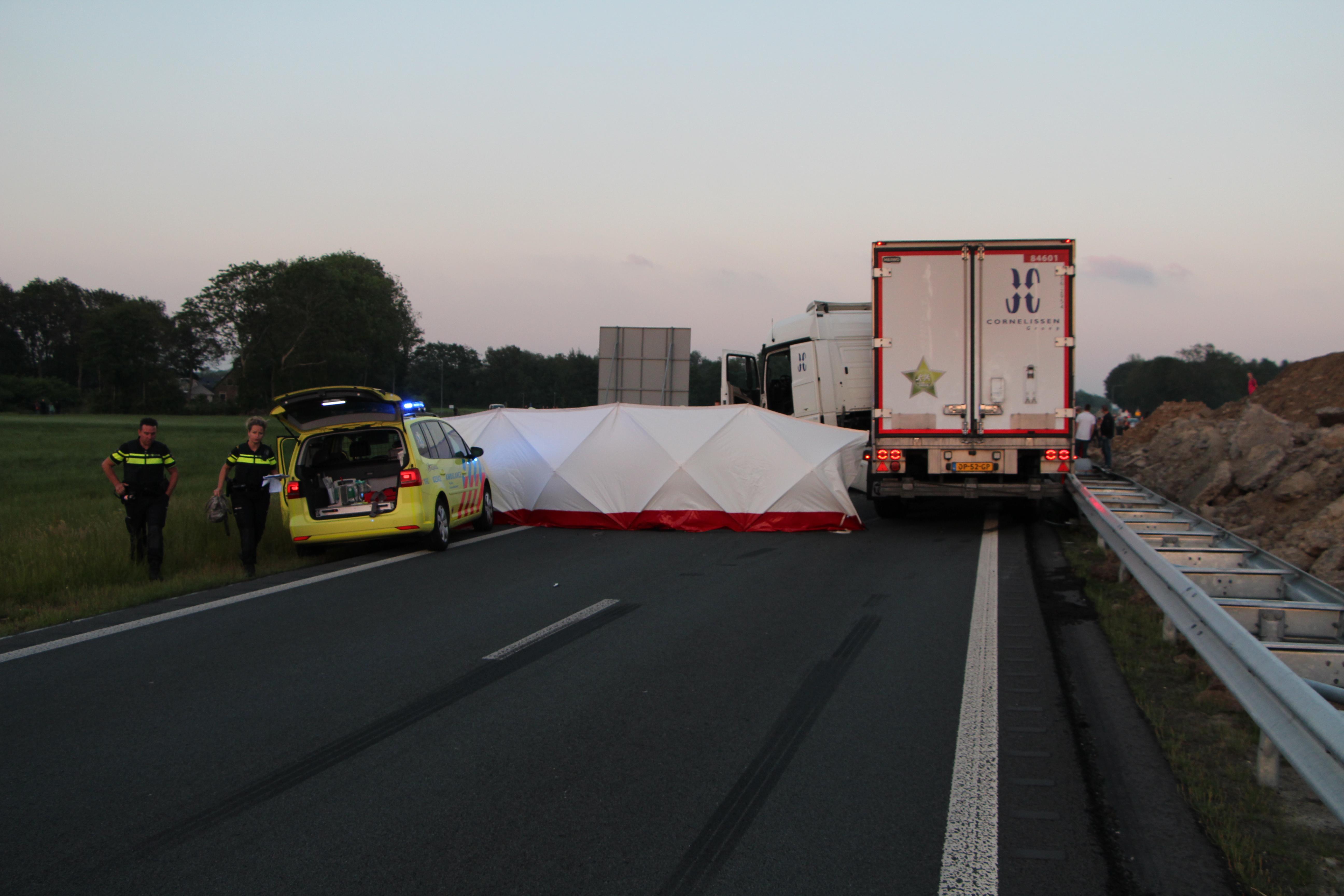 een 74-jarige vrouw uit Drachten komt om het leven bij  Ernstige verkeersongeval in  Oosterwolde
