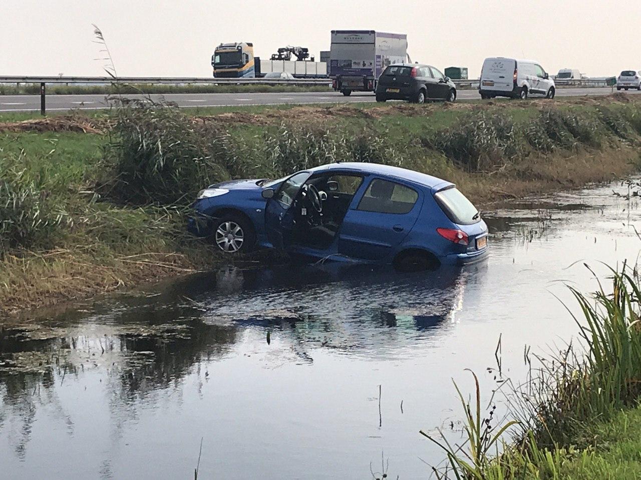 bestuurder ongedeerd na eenzijdig ongeval op de A7 bij Beetsterzwaag