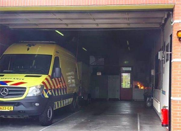 Flinke schade na brand in Ambulancepost op Ameland