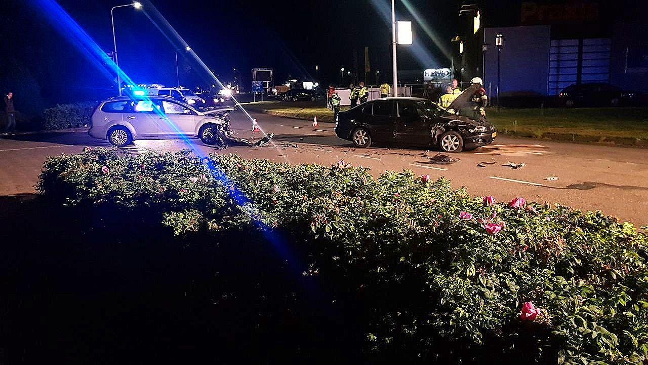 bestuurder raakt gewond  na voorrangsfout bij wolvega