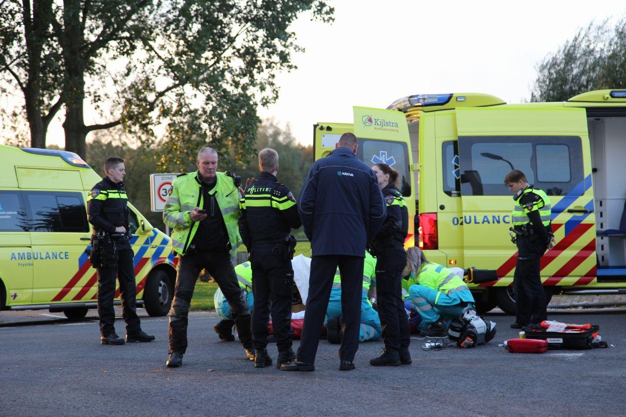 Oud schaatser Yep Kramer van 61 raakt ernstige gewond na aanrijding met lijnbus bij de Tijnje
