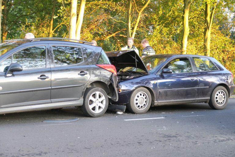 Drie voertuigen met elkaar in botsing in Drachten