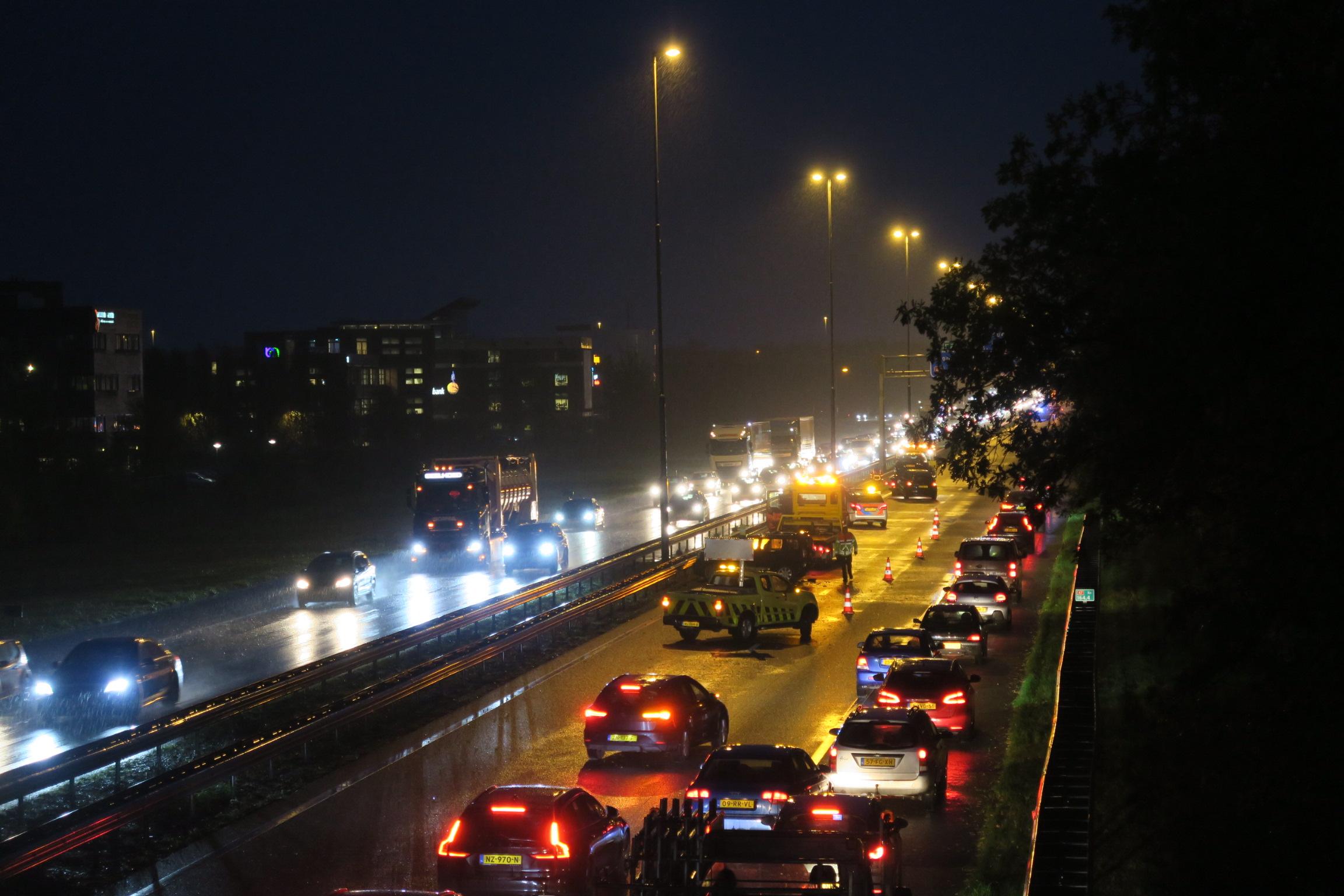 Meerdere voertuigen met elkaar in botsing op de A7 bij Drachten
