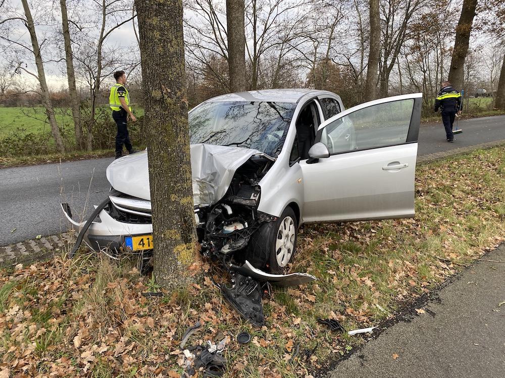 Bestuurster raakt ongedeerd na eenzijdig ongeval in Sumar