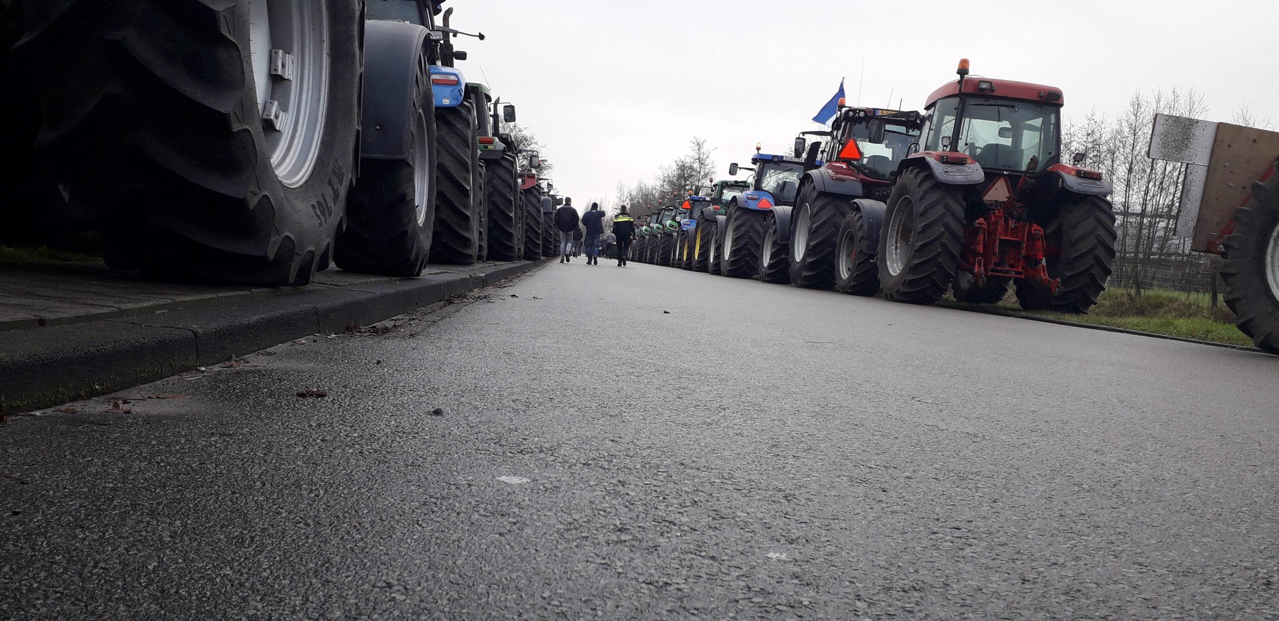 Veel verkeershinder door boerenprotesten in Fryslan
