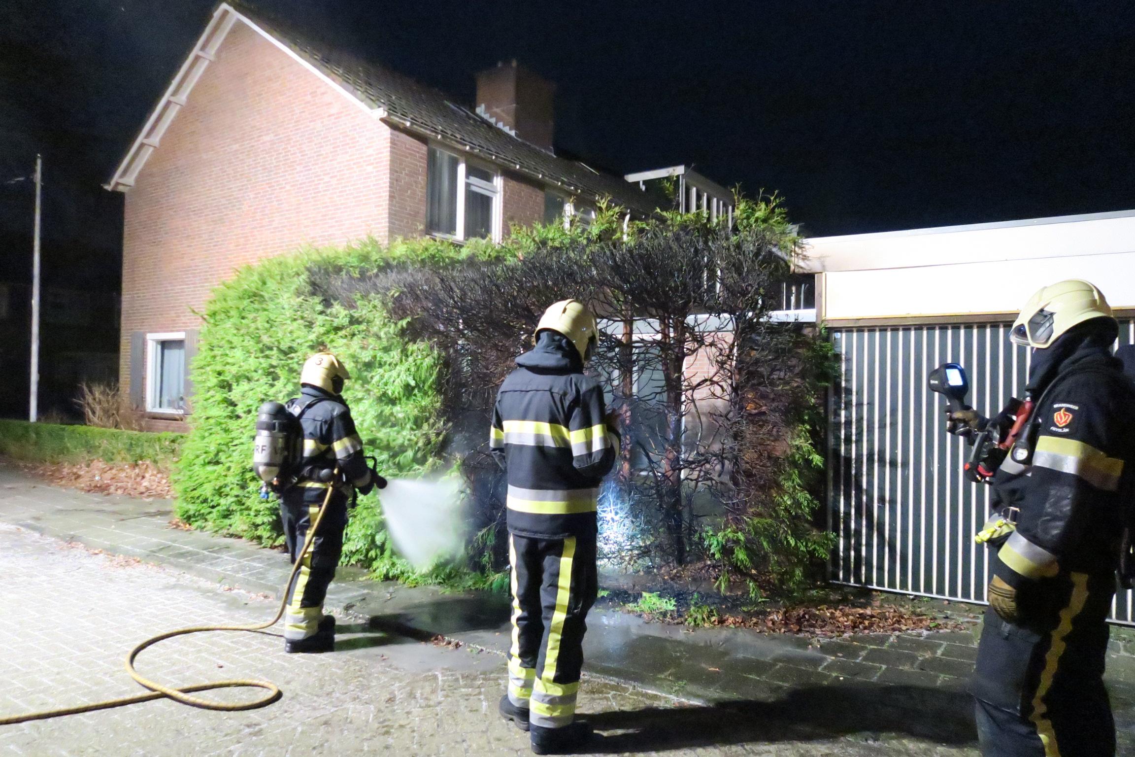 Tweede coniferenhaag brand in korte tijd in Drachten