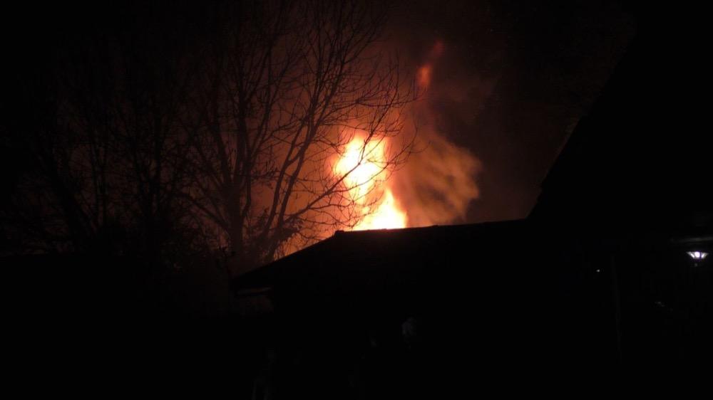 dertien Auto's beschadigd na grote uitslaande brand in Olderberkoop