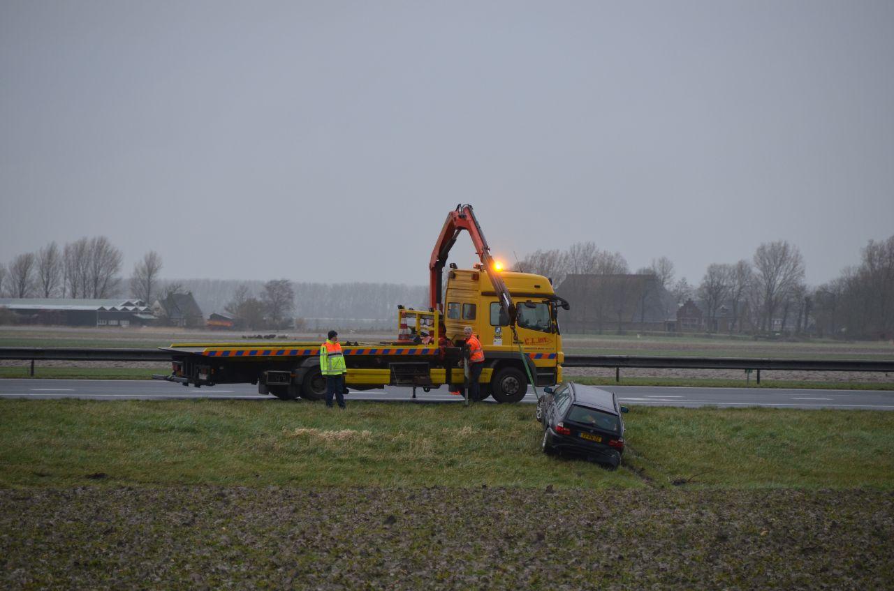 Bestuurder raakt in de sloot na eenzijdig ongeval op de A31 bij Menaam