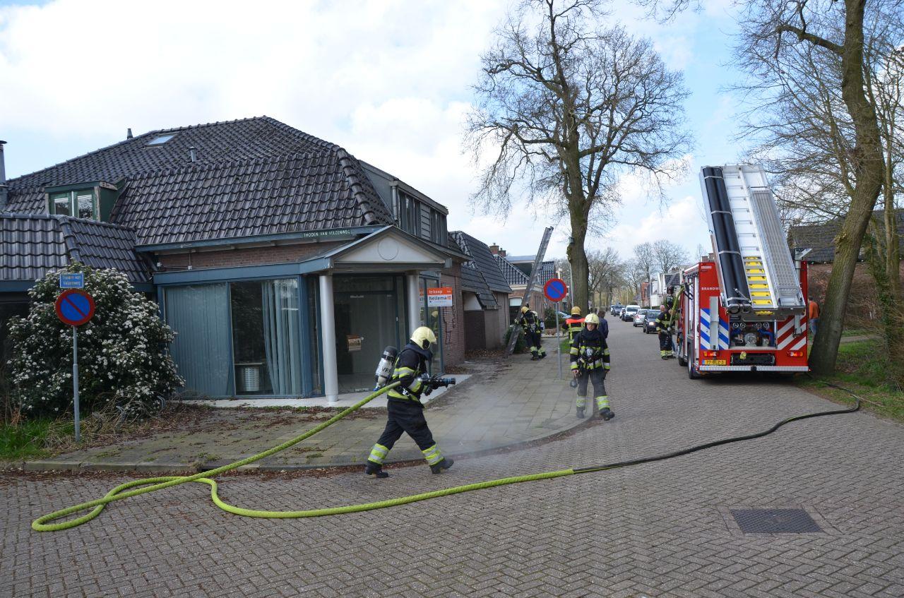 Brandweer rukte uit voor brand in een leegstaande Bakkerij in Hurdeygaryp