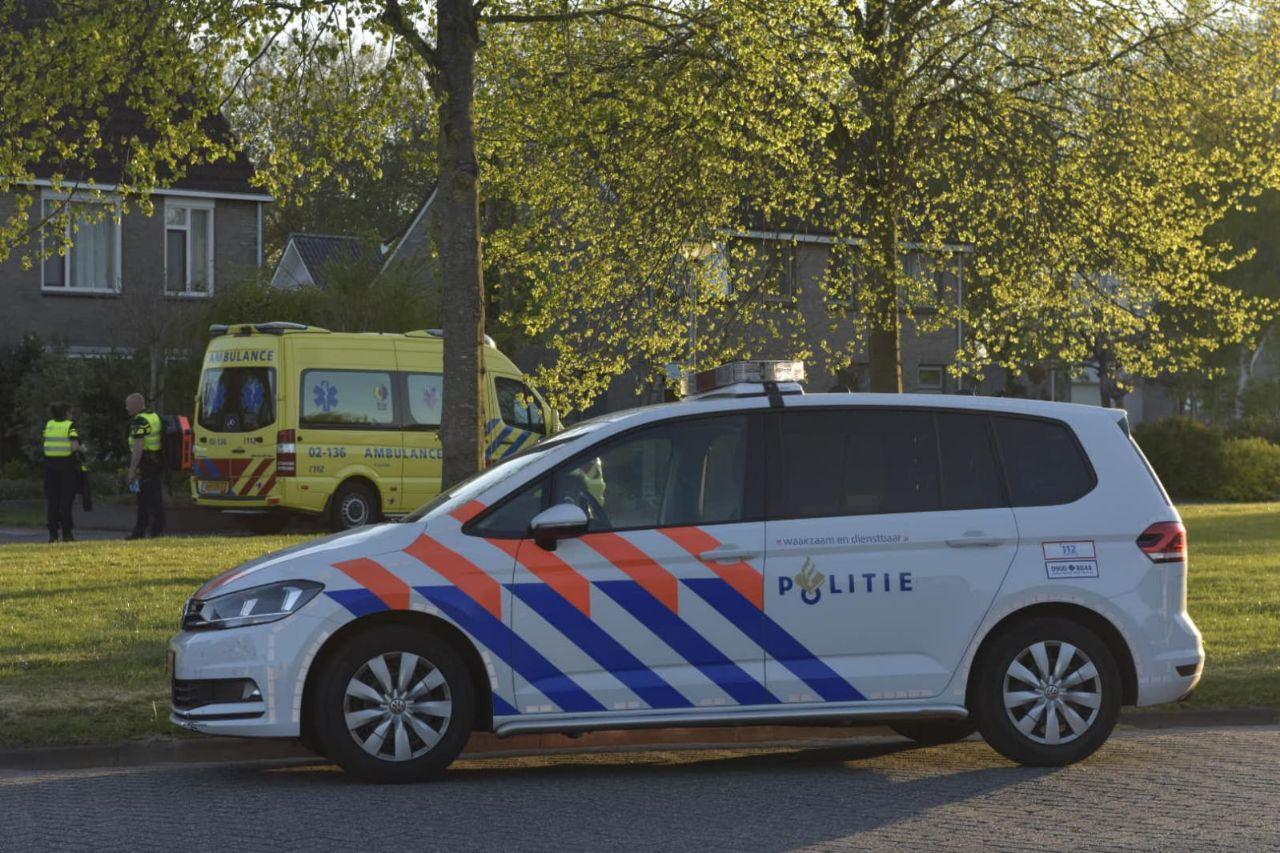 Politie treft zwaargewonde man aan in woning met steekwonden