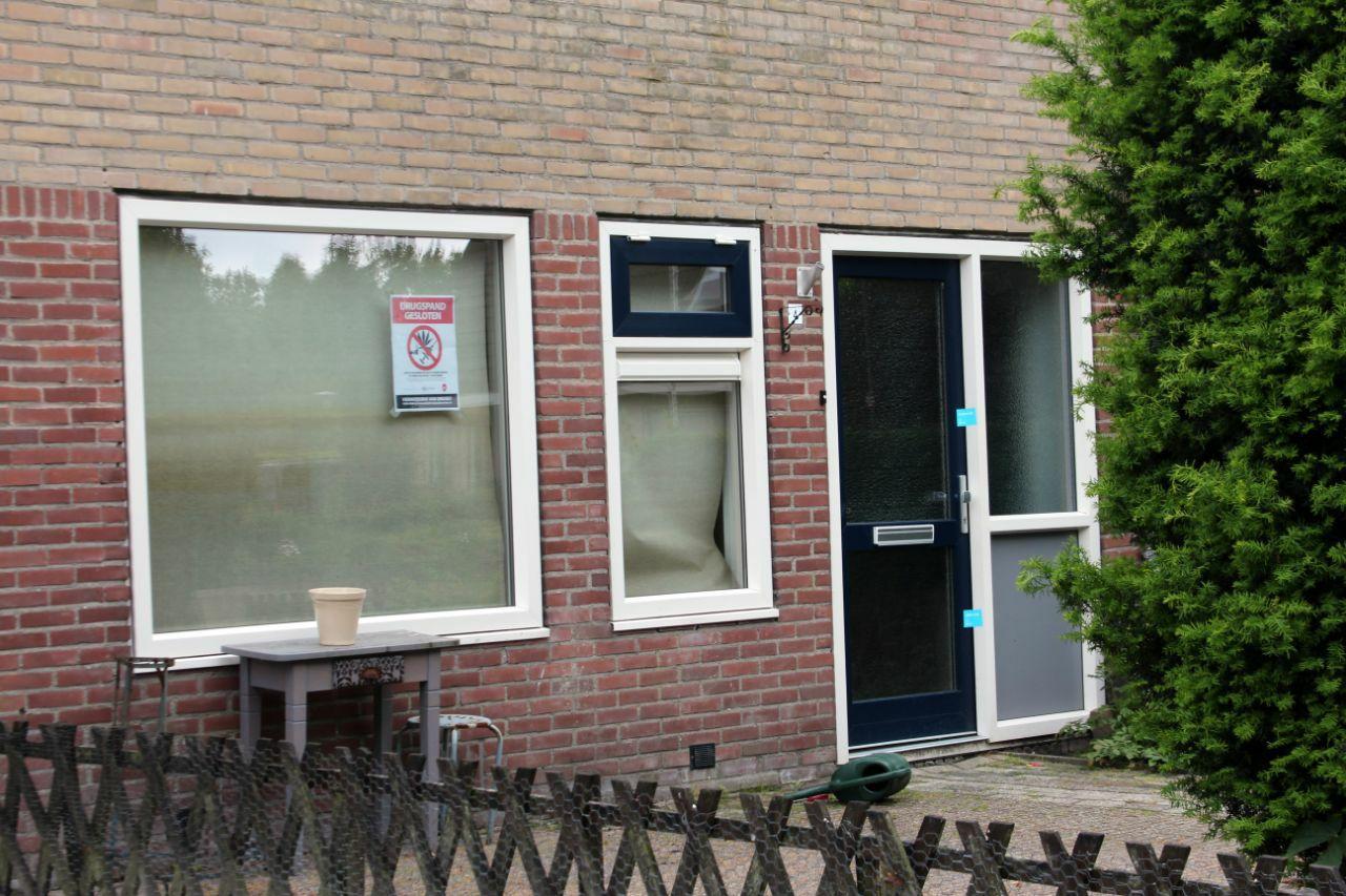 burgemeester van gemeente Achtkarspelen sluit Drugswoning in de Harkema