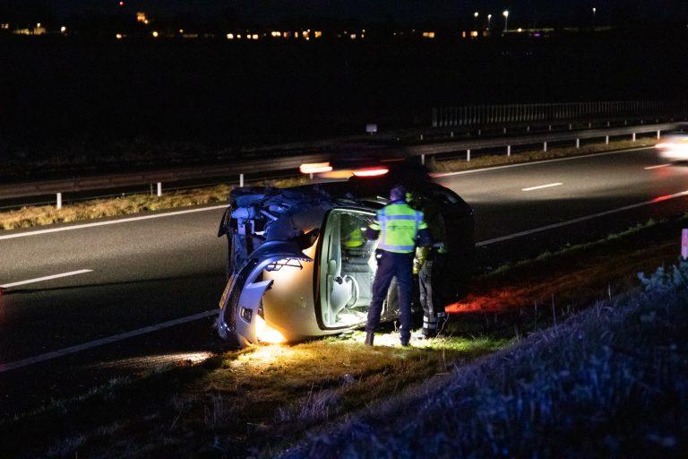Automobilist beland op zijkant op de N31 bij Leeuwarden
