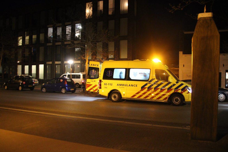Twee fietsers met elkaar in botsing één persoon raakt gewond