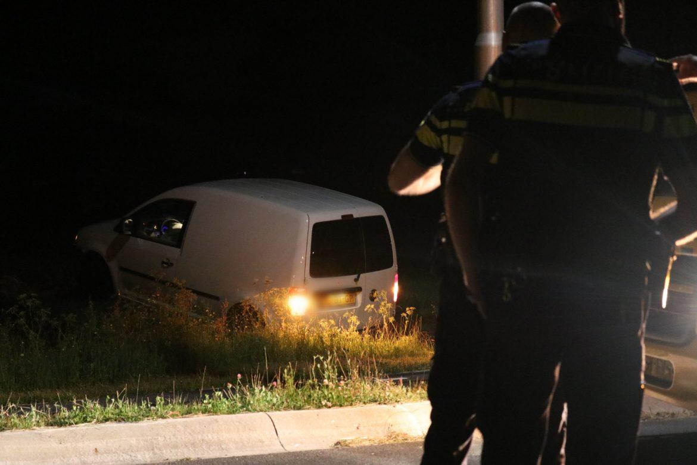 Bestuurder belandt in weiland na eenzijdig ongeval bij Ureterp